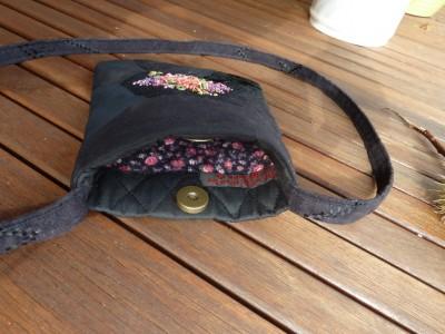 Et kig ind i tasken