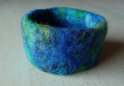 Blå-grønt armbånd